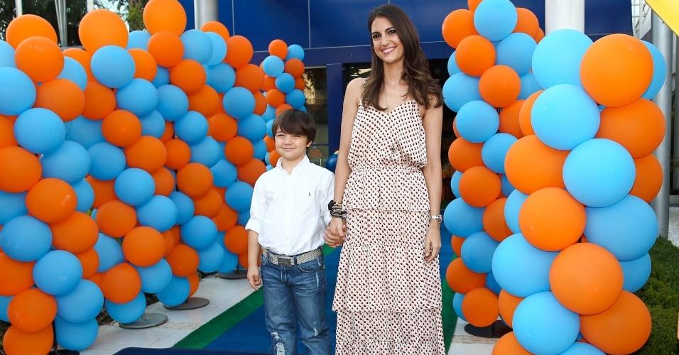 Chris Flores e o filho Gabriel (15/2/2012)