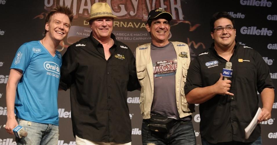 """Richard Dean, ator que estrelou o seriado """"MacGyver"""", participa de coletiva de imprensa em Salvador, Bahia (15/2/2012)"""