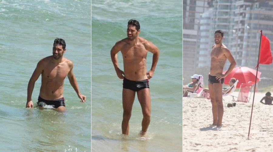 Victor Pecoraro curte praia na Barra da Tijuca, zona oeste do Rio (15/2/2012)