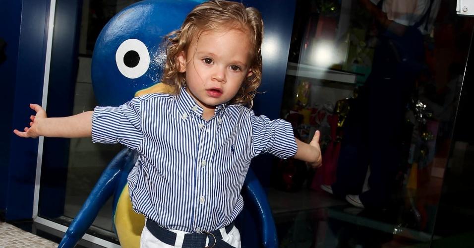 Vittorio, filho de Adriane Galisteu e Alexandre Iódice (15/2/2012)