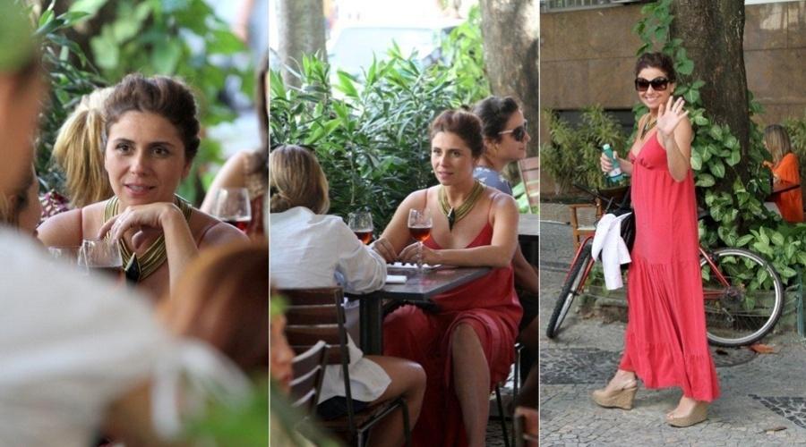 Giovanna Antonelli almoça com amiga em restaurante no Leblon, zona sul do Rio (24/2/2012)