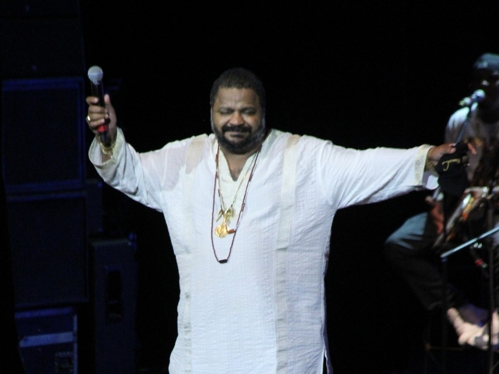 Arlindo Cruz também agitou a noite de premiação no Rio de Janeiro (28/2/12)
