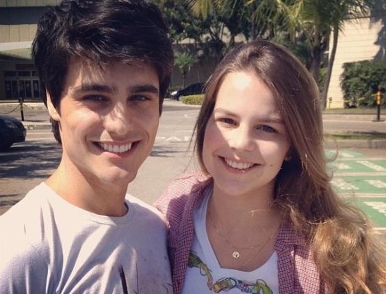 """No Twitter, Bianca Salgueiro posta foto ao lado de Guilherme Leicam nos bastidores de gravação de """"Fina Estampa"""" (29/2/12)"""