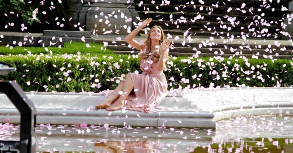 Grazi Massafera grava campanha de perfume no Jardim Botânico de São Paulo (2/3/2012) A atriz se transformou em uma ninfa num bosque encantado para gravação da campanha de lançamento do perfume da Avon, Eternal Magic Enchanted
