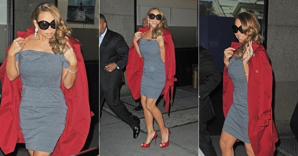 A cantora Mariah Carey caminha até seu trailer para se preparar para show no Gotham Hall, que terá entrada livre, em Nova York (3/3/12)