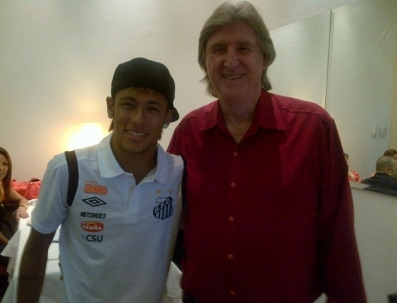 Neymar posta foto com o cantor sertanejo Sérgio Reis (5/3/12)