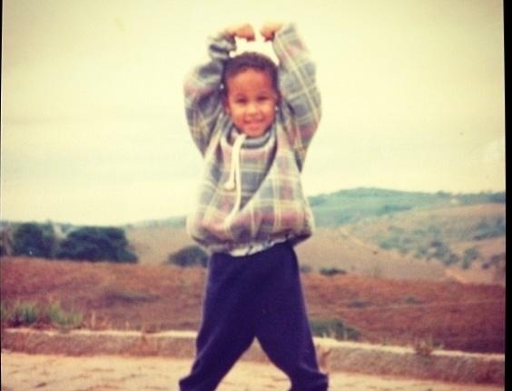 """Neymar publica foto sua no Twitter, quando era criança. """"Favela desde pequeno"""", escreveu o jogador de futebol no microblog (7/3/12)"""