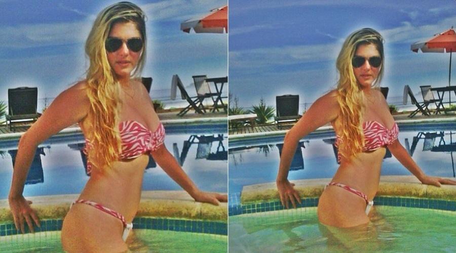 Bárbara Evans posa de biquíni dentro de piscina (9/3/2012)