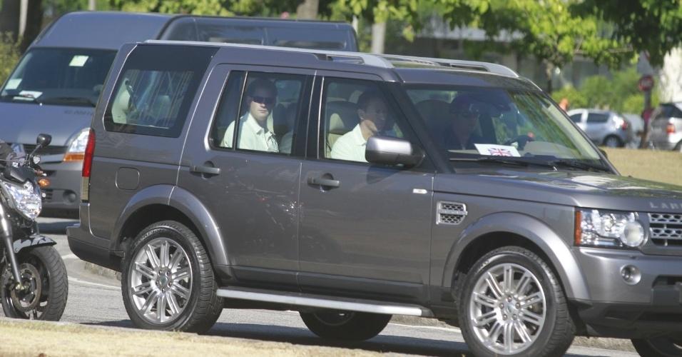 Príncipe Harry chega com uma comitiva de mais de dez carros e escolta das polícias Militar e Federal ao Aterro do Flamengo, para a corrida beneficente (10/3/12)