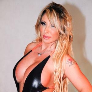"""Sabrina Boing Boing, que se apresentará na Virada Cultural 2012 como DJ, em ensaio sensual para a revista """"Lovers"""" (13/3/12) - Danilo Carvalho/AgNews"""