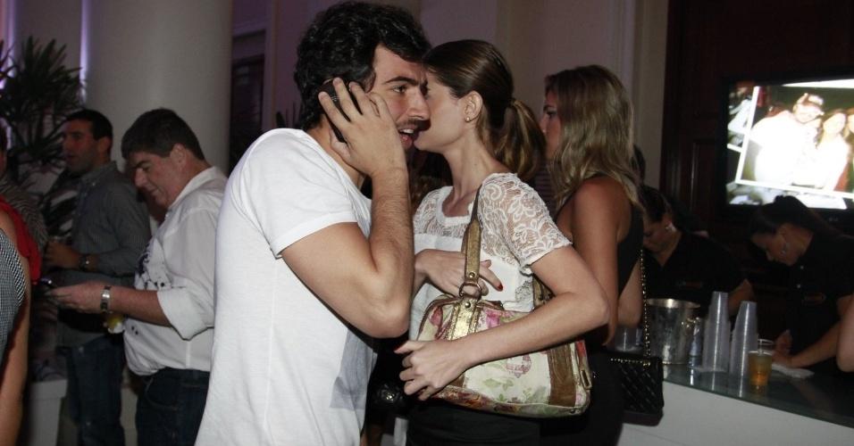 Alinne Moraes e Felipe Simão prestigiam o aniversário de 30 anos da promoter Carol Sampaio no Hotel  Copacabana Palace, no Rio De Janeiro (15/3/12)