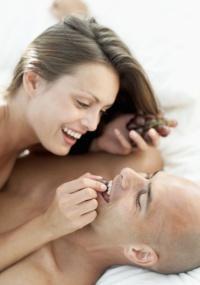 Manter uma vida sexual regular traz benefícios físicos e emocionais