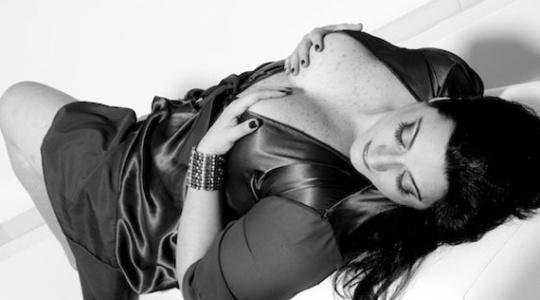 Clessira Curi Ramos, 38 anos, fez um book sensual na Agência Nude a pedido do marido