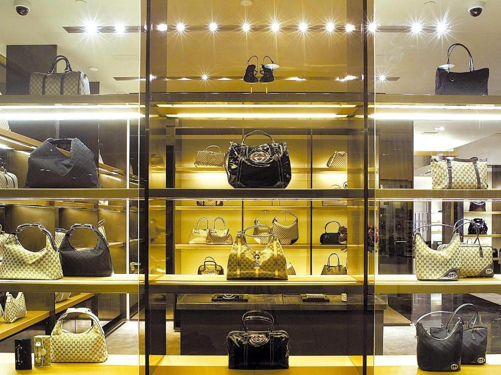 29badfc93473b Artesãos da Gucci produzirão bolsas em lojas da marca - 15 03 2010 - UOL  Universa