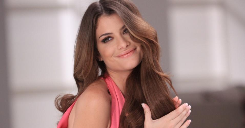 Alinne Moraes é a nova porta-voz da coloração Casting Creme Gloss, da L'Oréal