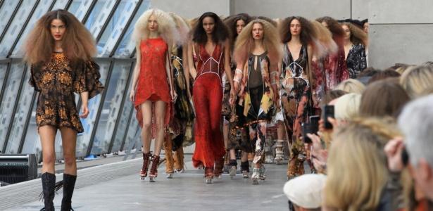 Topshop Unique apresenta coleção para o Verão 2011 na semana de Londres - Getty Images
