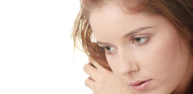 Após longo período de pessimismo e tristeza, é comum a vítima de distimia ser rotulada como mal-humorada - Getty Images/Thinkstock