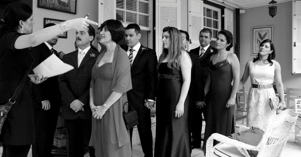 Assessora de casamento explica o cerimonial aos padrinhos