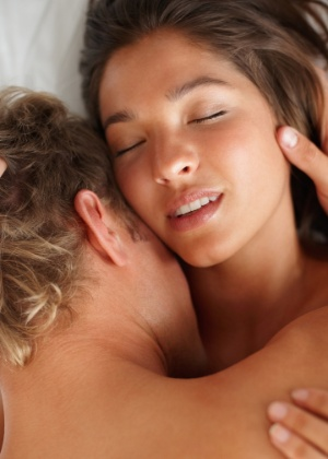 Durante o orgasmo, o cérebro recebe grande quantidade de oxitocina - Getty Images