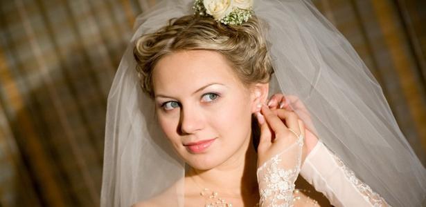 Noiva se prepara para o casamento - Getty Images/Thinkstock