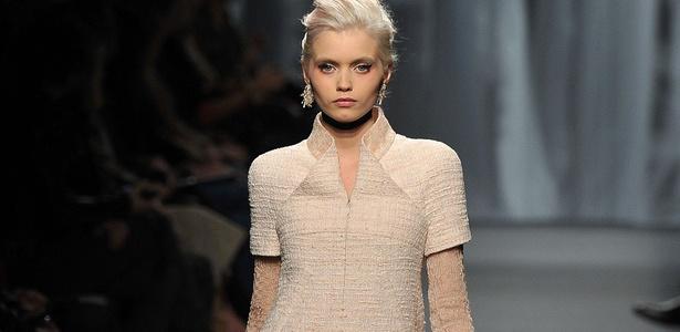 Abbey Lee Kershaw desfila look da Chanel para o Verão 2011 na semana de alta-costura de Paris (25/01/2011) - Getty Images