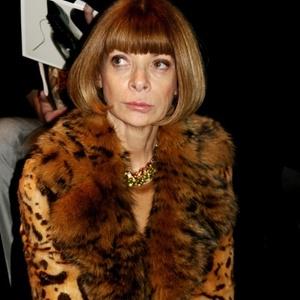 Anna Wintour é fotografada na 1ª fila da semana de Milão (27/02/2011) - Juliana Lopes/UOL