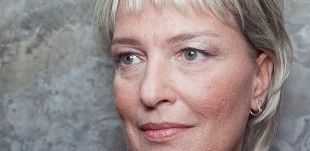 Maquiagem ajuda a realçar os olhos com marcas - Patrícia Araújo/UOL