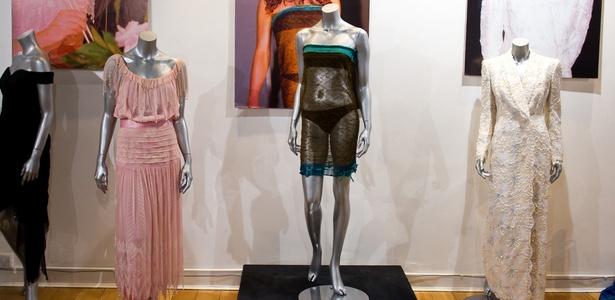 Ao centro, vestido de tricô Charlotte Todd usado por Kate Middleton em evento beneficente - Getty Images