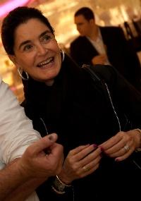 A consultora de moda Gloria Kalil na pré-venda da coleção de Stella McCartney para a C&A (16/03/2011)