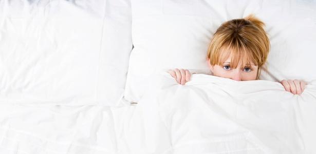 A privação das horas de sono torna-se um problema a longo prazo e pode resultar em distúrbios crônicos - Thinkstock