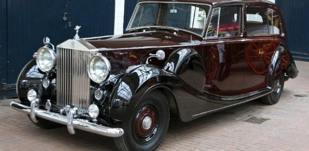 Um dos carros Rolls-Royce da realeza britânica que levarão a família real ao casamento de William e Kate nesta sexta (29) - REUTERS/Dominic Lipinski