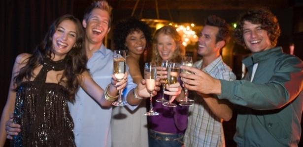 Festas de separação podem ter decoração temática, guloseimas personalizadas e até dançarinos - Thinkstock