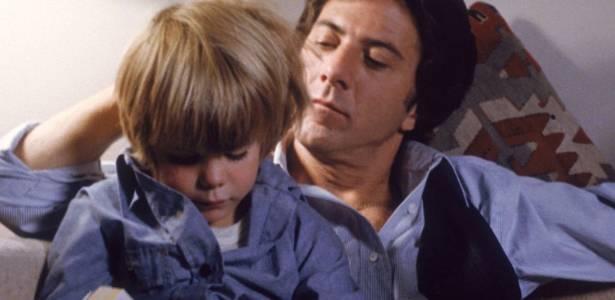 """Dustin Hoffman, em cena do filme """"Kramer vs. Kramer"""", com o ator-mirim Justin Henry - Divulgação"""