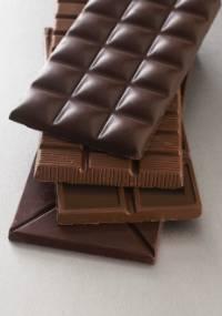 Estudo feito no Canadá diz que consumo de chocolate preto permite suportar doses muito mais altas de radiação na pele