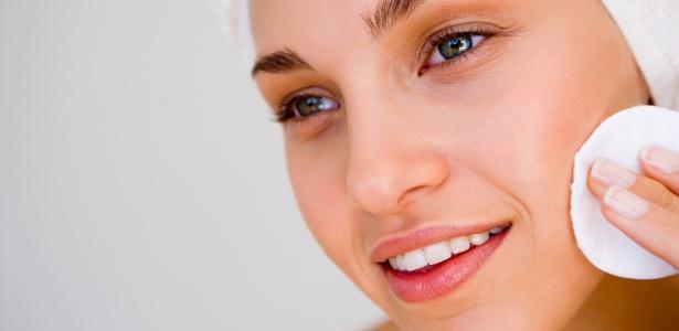 Tônicos normalizam o pH da pele, deixando-a pronta para receber os benefícios da hidratação - Thinkstock