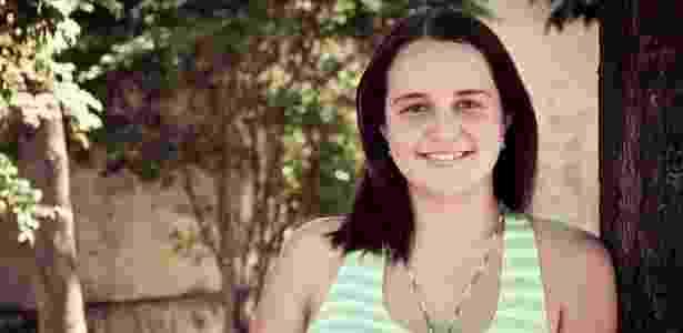 Monike Kineippe, de 22 anos. Há três anos, um médico lhe deu apenas seis meses de vida.  - Haroldo Saboia/UOL