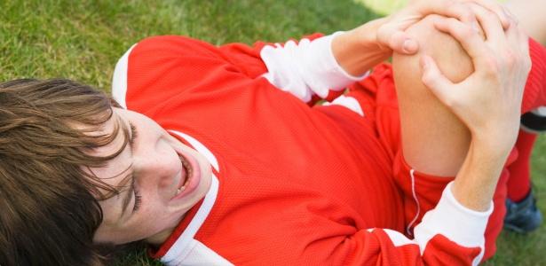 Autolesão é um problema mundial de saúde e comportamento pode se repetir na vida adulta - Thinkstock