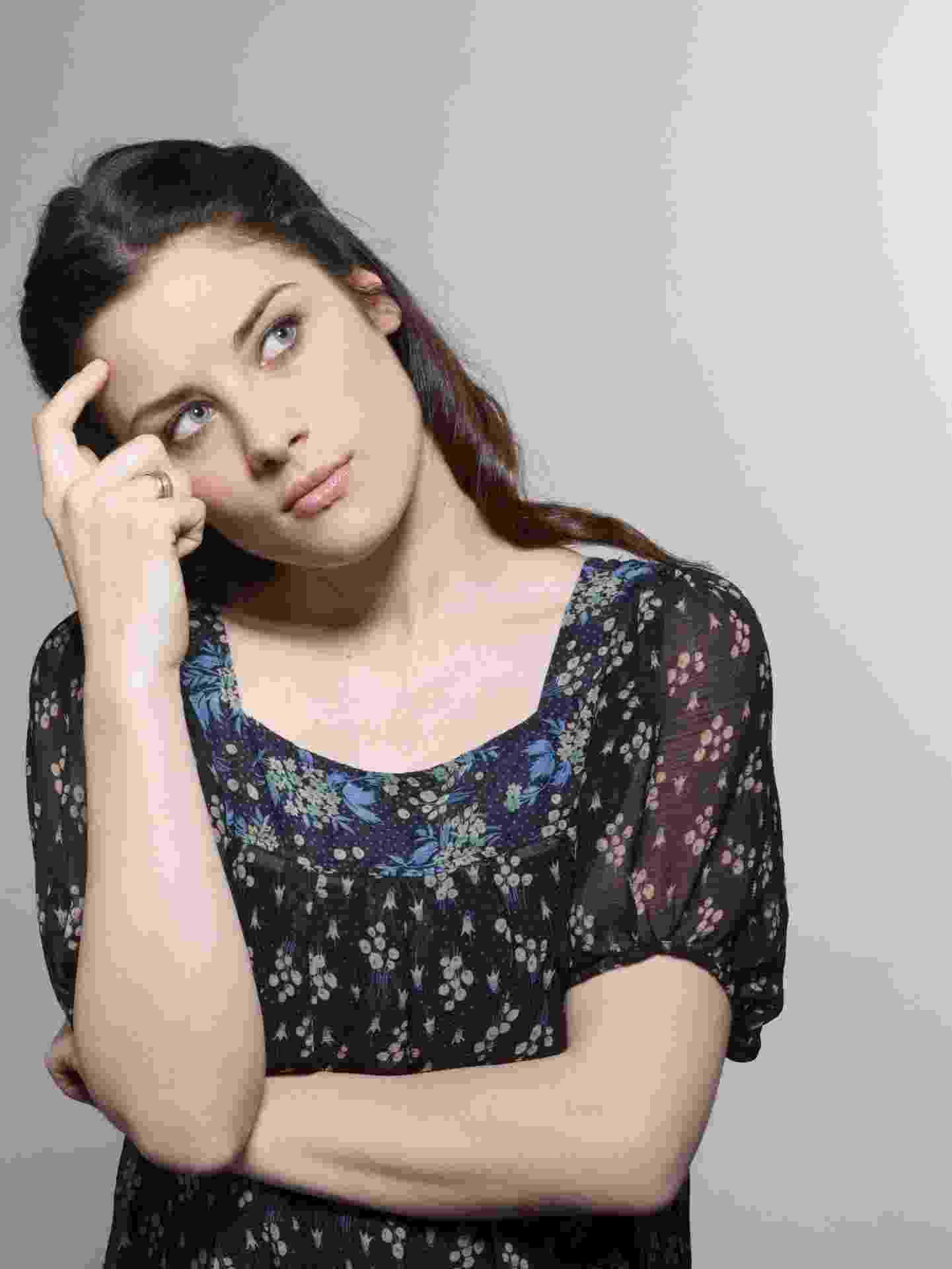 pensamento, pensando, dúvida, incerteza, mulher, questionamento - Thinkstock