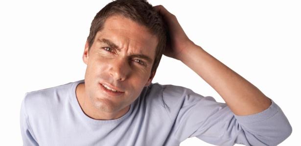 Às vezes o cansaço mental é tanto que é sentido fisicamente, com dores pelo corpo, dores de cabeça e até mesmo problemas gastrointestinais como gastrites e úlceras