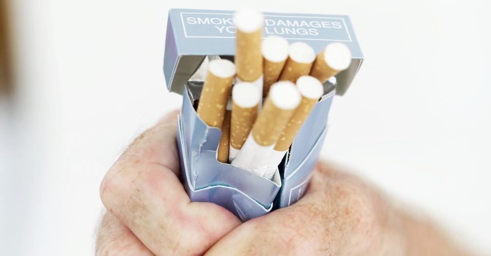 Força de vontade, determinação, cigarro, maço, parar de fumar