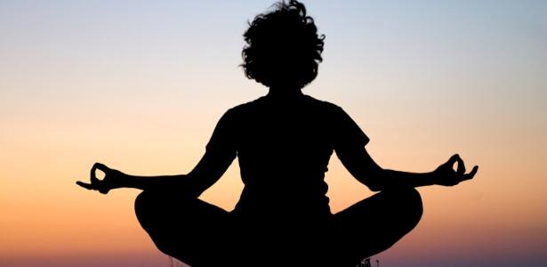 A meditação nos ajuda a acessar nosso eu verdadeiro, feliz e completo, trazendo paz interior e consciência