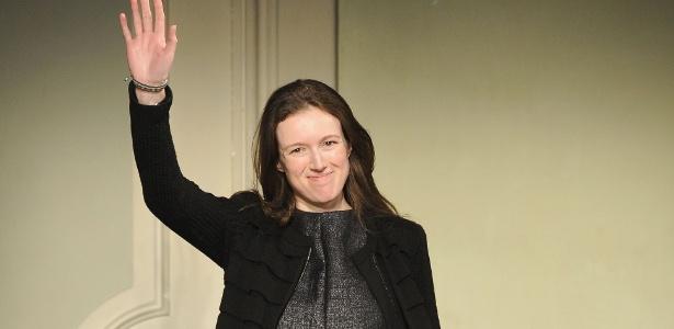 Claire Waight Keller ao final do desfile da Pringle of Scotland, na semana de moda de Milão (17/01/2011) - Getty Images