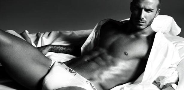 Campanha da linha underwear da Armani, estrelada pelo jogador David Beckman, em 2008 - Divulgação