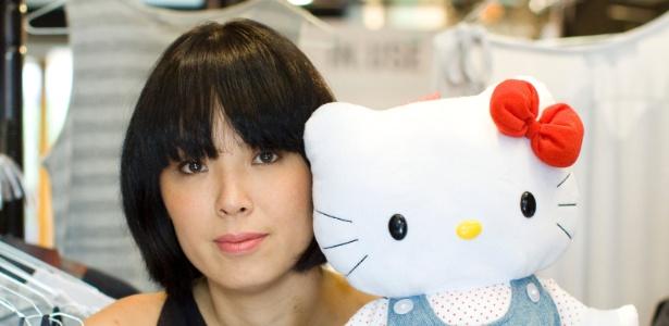 Fernanda Yamamoto usa a personagem Hello Kitty como inspiração de peças de sua nova coleção - Divulgação