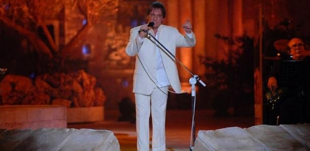 O cantor Roberto Carlos se apresentou em Jerusalém com figurino de Ricardo Almeida (07/09/2011) - Zé Paulo Cardeal/TV Globo