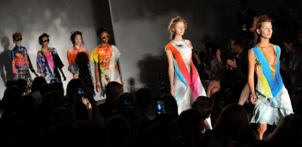 Desfile da coleção verão 2012 da grife Basso & Brooke, na Semana de Moda de Londres - Ben Stansall/AFP