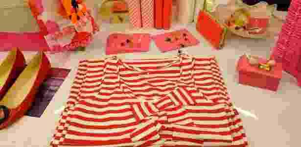 """Parte da coleção colorida e """"pop"""" da marca norte-americana Kate Spade, que abriu loja temporária no shopping Iguatemi (SP) - Divulgação"""