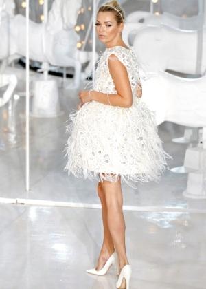 A modelo Kate Moss durante desfile para a Louis Vuitton na semana de moda de Paris - Benoit Tessier/Reuters