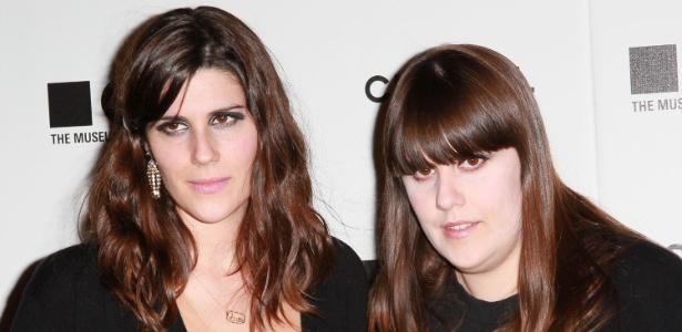 "As irmãs estilistas da Rodarte, Kate e Laura Mulleavy no ""The Artist""s Museum Happening"", em Los Angeles (13/11/2010) - Getty Images"