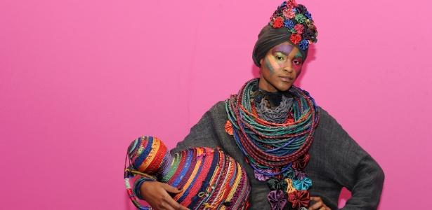 Modelo posa com look da coleção de Inverno 2012 da Mary Design, em apresentação no Museu de Artes e Ofícios, em Belo Horizonte (MG) - Agência Fotosite
